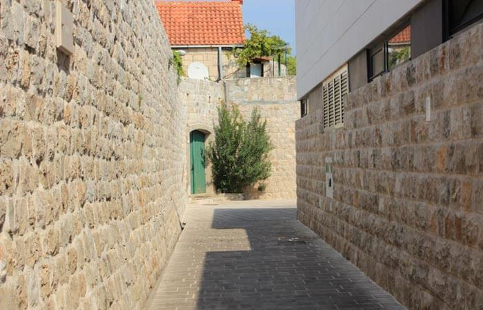 Konavle area sightseeing - Cavtat old town street