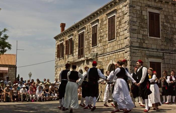 Cilipi folklor dance Poskocica