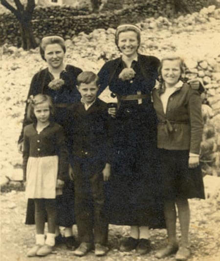 Family Mujo 1948