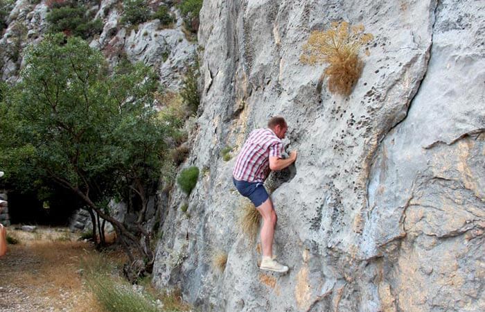 Konavle tunnel climbing