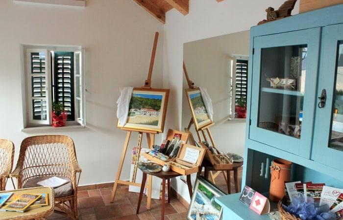 Kameni Dvori Property Painting Drawing Facilities