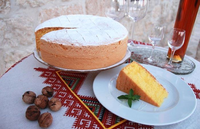 Kameni Dvori Traditional Recepies Cakes