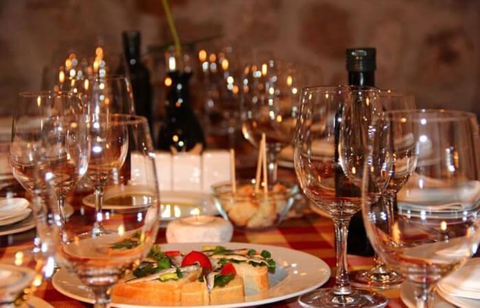 Kameni Dvori Tavern Inn - Dinner setup