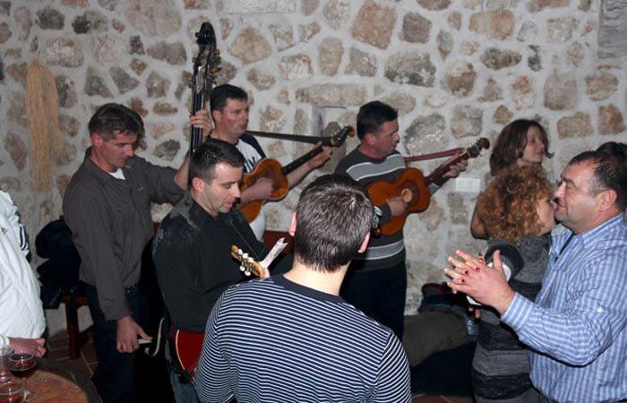 Kameni Dvori Tavern Inn - Party Time