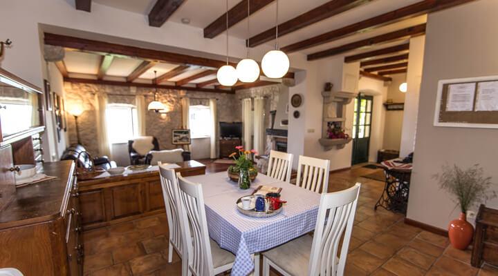 Kameni Dvori Holiday Village Dubrovnik Villa Diningroom