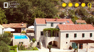 Hotel or Villa - What Friends & Family Choose!